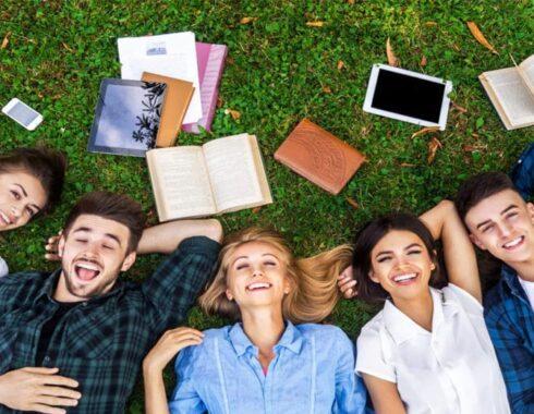 Licenciatura Estadounidense y su entorno en el departamento de educación