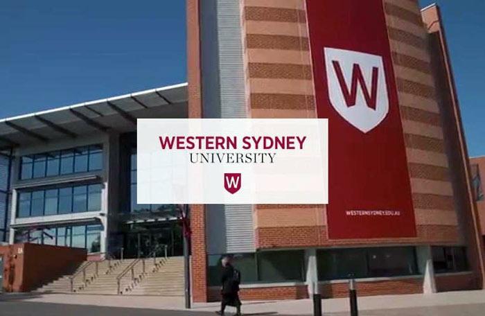 Licenciatura en Artes en la Universidad de Western Sydney